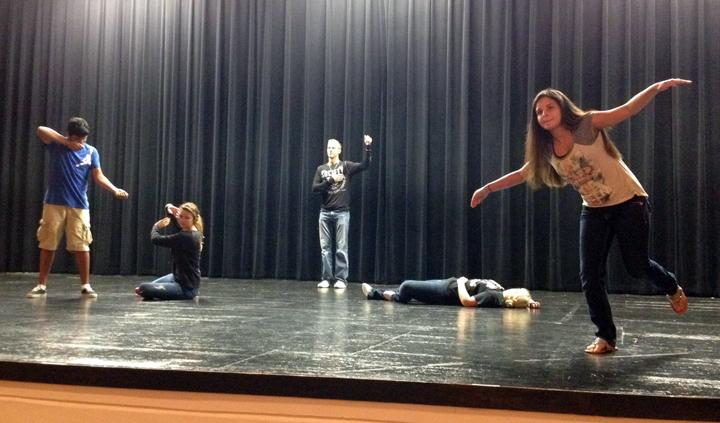 Theatre+classes+tackle+new+acting+methods