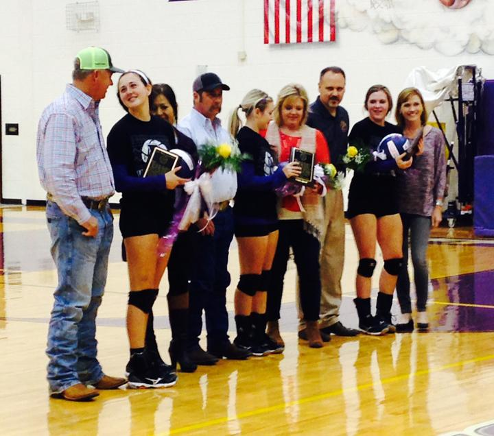 Volleyball+season+wraps+up+with+senior+night+and+a+win