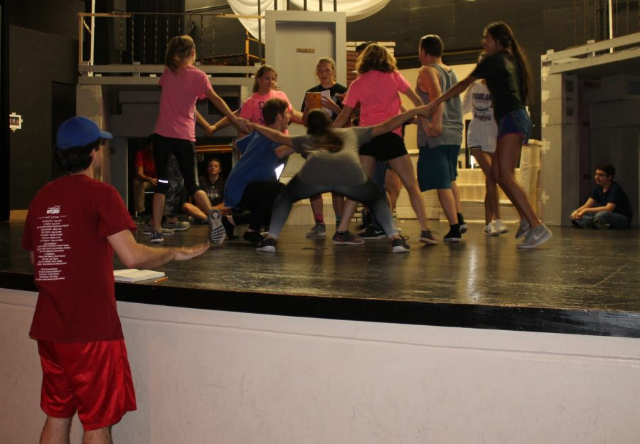 Theatre group learns musical choreography