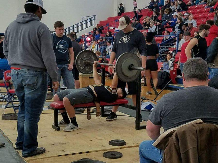 Power lifters compete at Rice