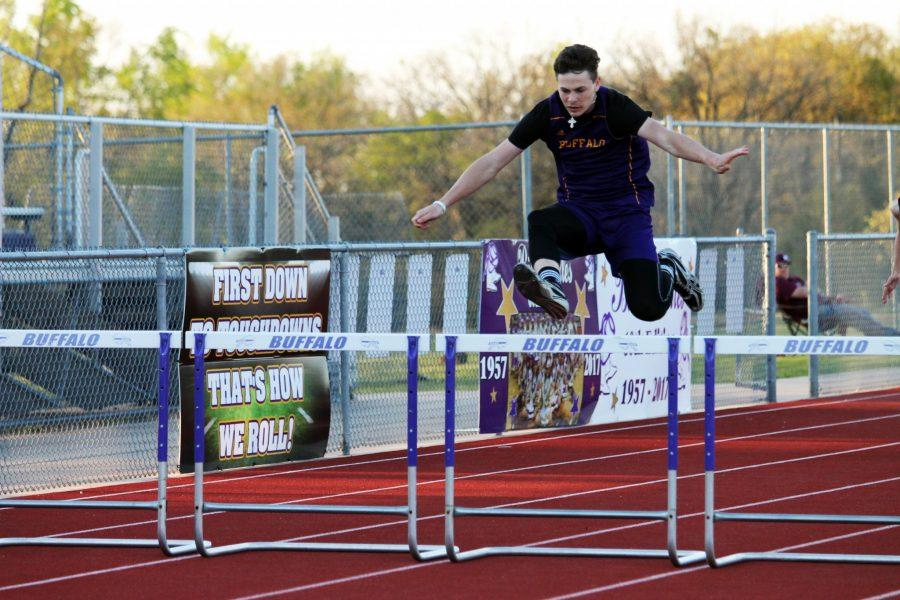 Scenes+from+the+Bison+track+meet