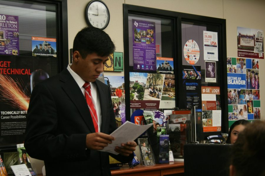Students participate in mock Hamlet trial