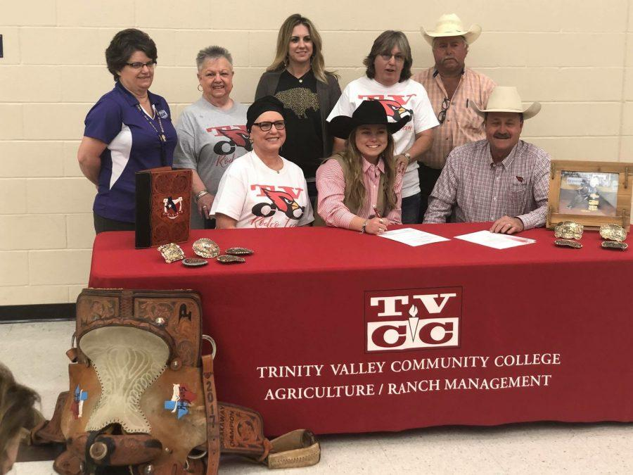 Champion signs with TVCC Rodeo
