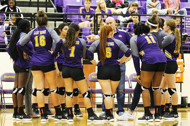 Volleyball team starts district play