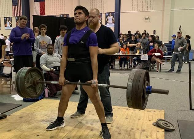 Powerlifting+team+starts+competitions