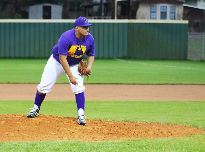Baseball+swings+into+season