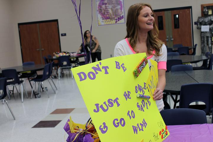 Junior+Lauren+Helmcamp+waits+for+freshman+Shelley+Pate+to+show+up+at+lunch+so+she+can+ask+him+to+the+Sadie+Hawkins+Homecoming+Dance.+