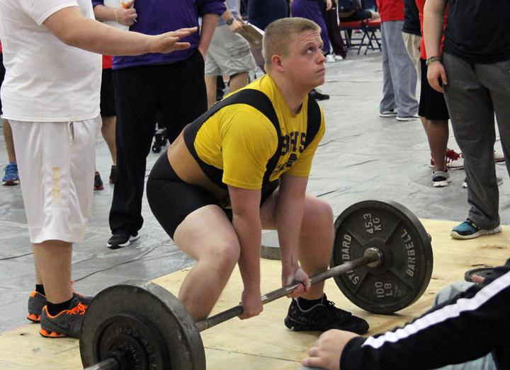 Sophomore+Seth+Folsom+starts+his+dead+lift+at+the+invitational+meet+in+Elkhart.+The+team+will+host+their+own+meet+on+February+15.