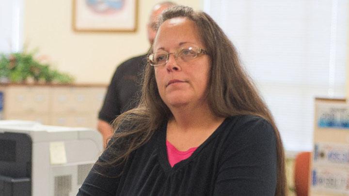 Kentucky clerk Kim Davis needs to do her job or quit