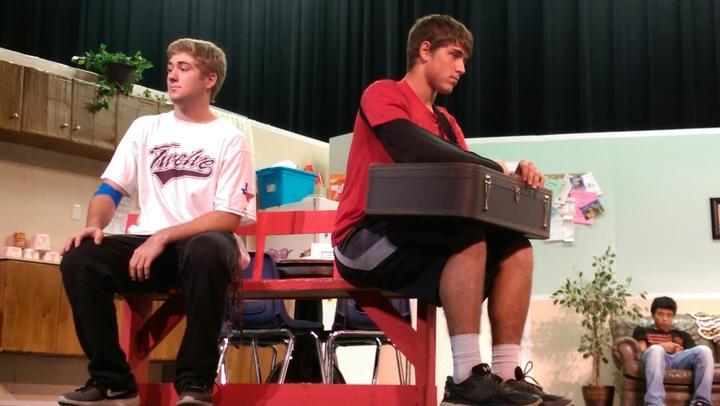 Seniors+Logan+Freeman+and+Clay+McGill+rehears+a+scene+from+the+play.