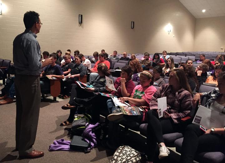 Seniors+listen+to+the+Balfour+rep+before+deciding+what+to+order+for+graduation.