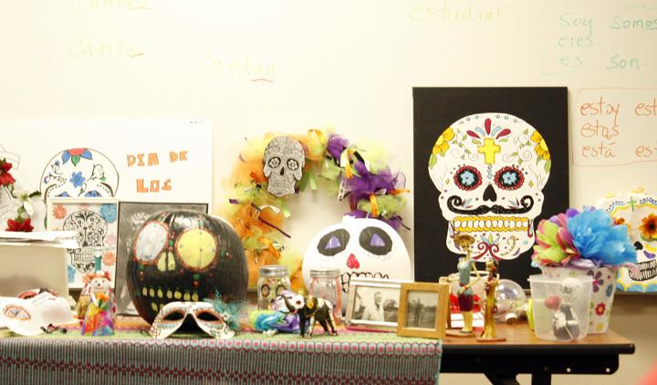 Students+created+projects+to+display+in+honor+of+their+loved+ones+for+Dia+de+los+Muertos.