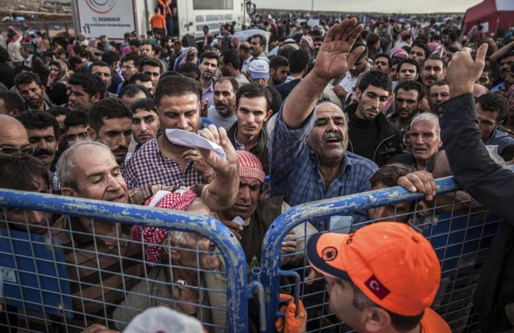 Refugees+from+Syria+are+trying+to+make+their+way+to+other+nations%2C+but+pose+a+risk.