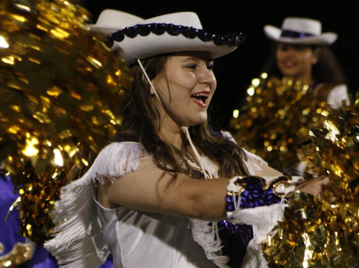 Sophomore+Chelsea+Harter+dances+with+the+Belles+at+halftime.