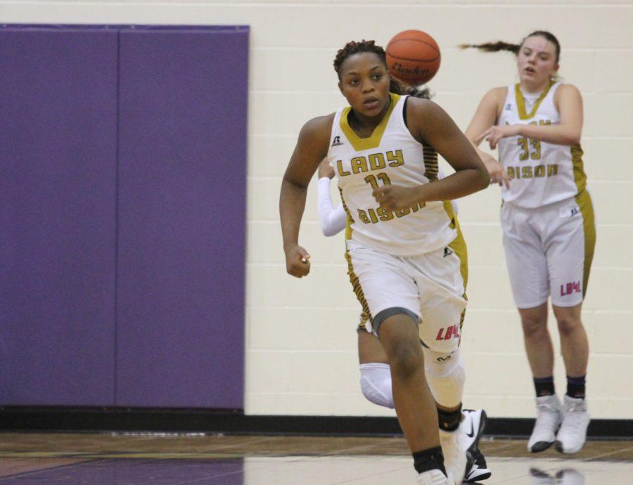 Basketball Teams Sweep Frankston