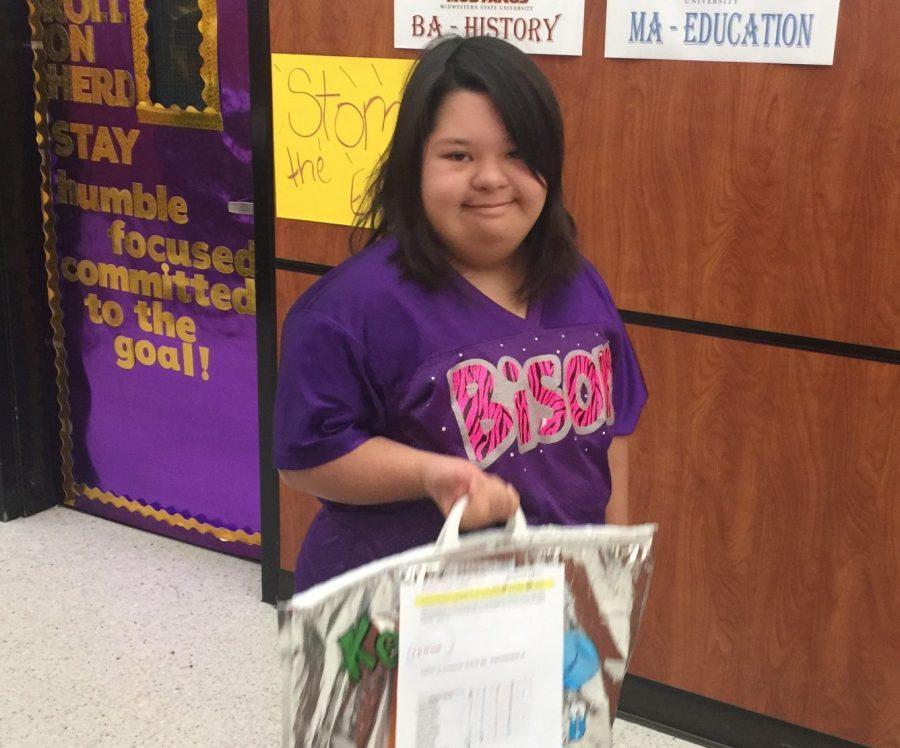 Students help with new breakfast program