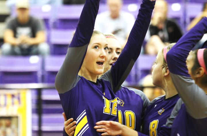 Picture of the Week: Lady Bison Volleyball