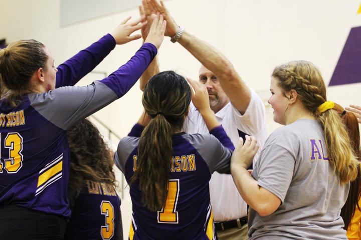 Volleyball team set to start district play